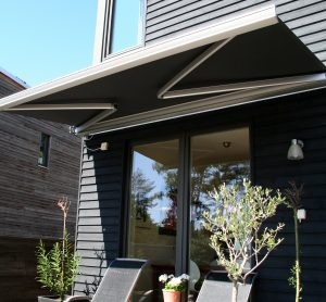 retractable awnings coolum